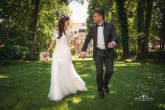 Brautpaar_auf_waldlichtung