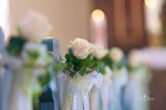 Blumendekor_in_Kirche