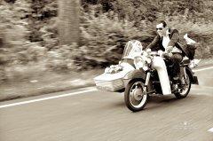 brautpaar_auf_motorrad